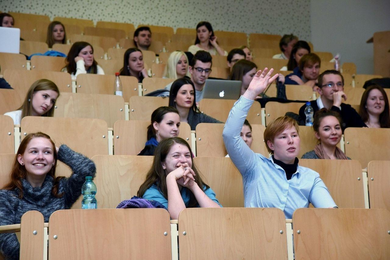 Přednáška Ing. Jiřího Krátkého Proč je nutné umět ve 21. století řídit projekty? 2016
