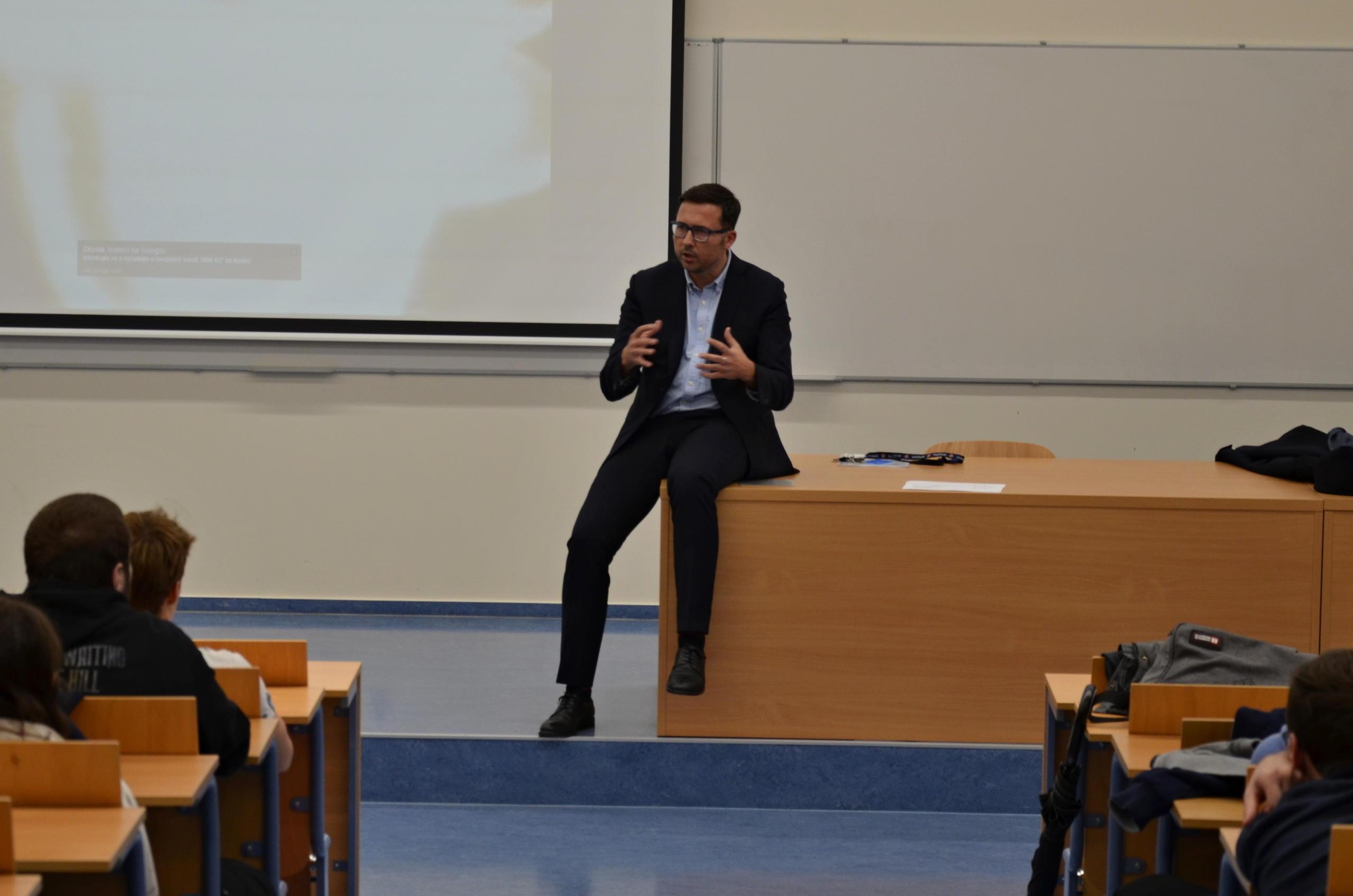 přednáška Jiřího Hoška